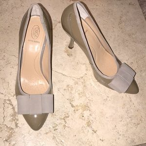 Joan & David Cjardelle Taupe Colored Leather Heels